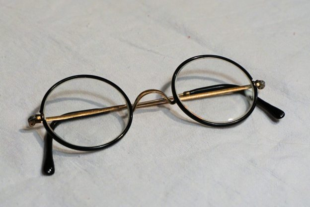glasses-1097847_960_720